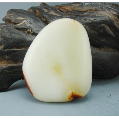重160克新疆和田玉枣红皮白玉籽玉