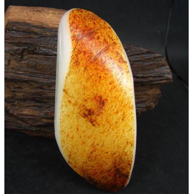 重184克新疆和田玉栆黑皮白玉籽玉  把件料