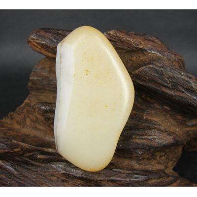 重63克 新疆和田玉黄皮白玉 籽料