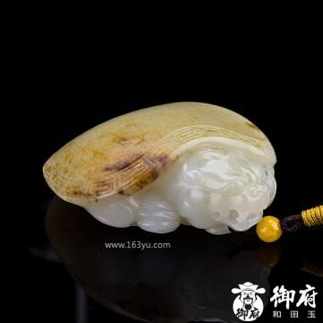 新疆和田玉黄皮白玉籽玉把件 龙龟 115.4克