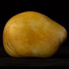 新疆和田玉黄皮白玉籽玉原石 1.35公斤