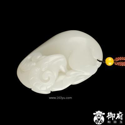 新疆和田玉原毛孔皮白玉籽玉把件 样样如意 109.3克