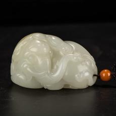 新疆和田玉原毛孔皮白玉籽玉把件 白玉瑞兽象 147.2克