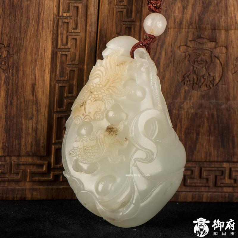 新疆和田玉黄皮白玉籽玉把件 连年有余 90.5克