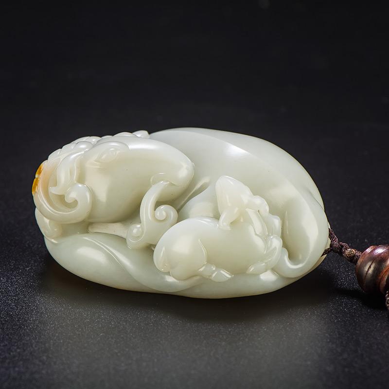 新疆和田玉黄皮白玉籽玉把件 样样如意 220.5克