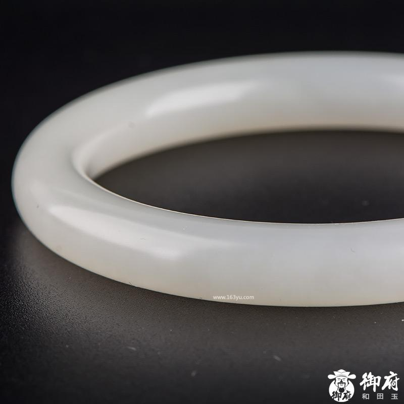 新疆和田玉原毛孔皮白玉籽玉 手镯 内径58.5mm 53.5克