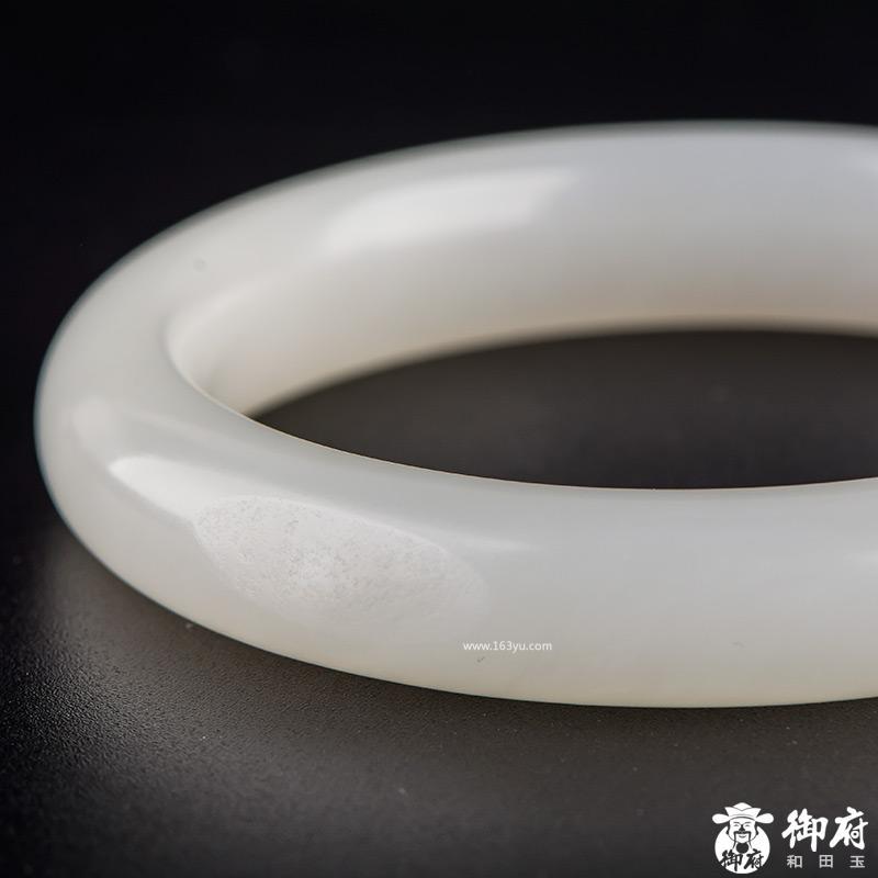 新疆和田玉黄皮白玉籽玉手镯 内径59mm 47.5克