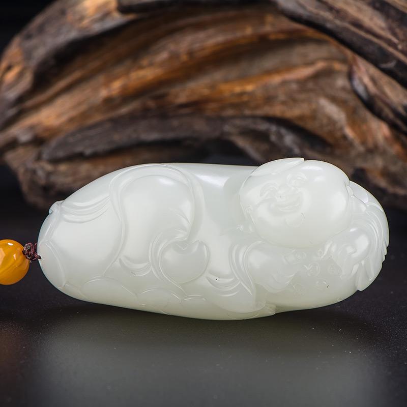 新疆和田玉原毛孔皮一级白白玉籽玉把件 荷叶童子 92.6克