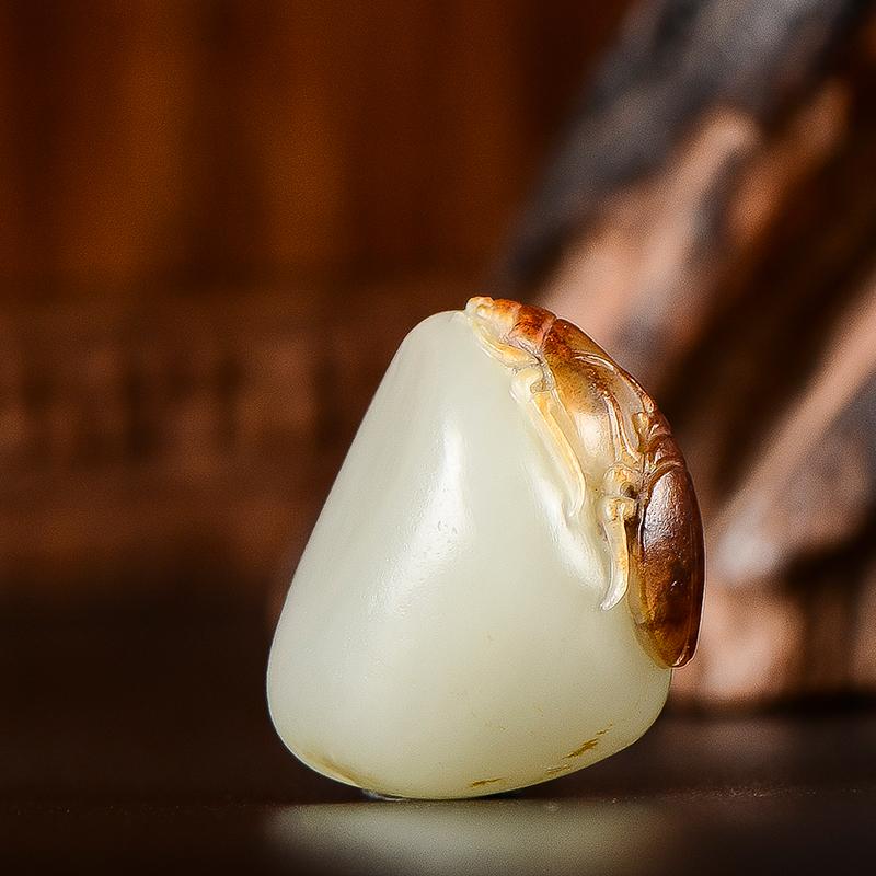 新疆和田玉枣红皮白玉籽料挂件 富甲一方 6克
