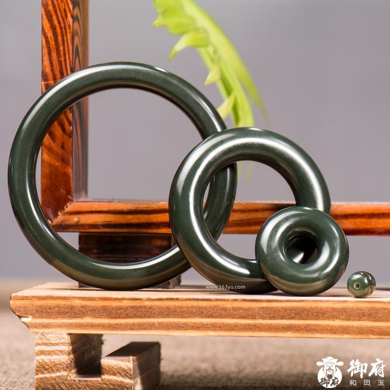 新疆和田玉青玉籽玉手镯    凝翠·手镯套装 93.2克