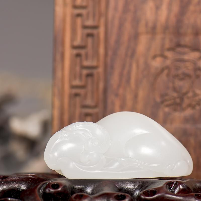 新疆和田玉原毛孔皮羊脂白玉籽玉挂件 样样如意 17.6克