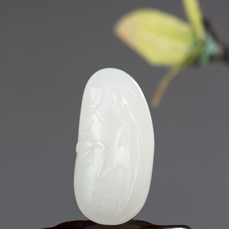 新疆和田玉羊脂白玉籽玉挂件 悟莲 16.1克