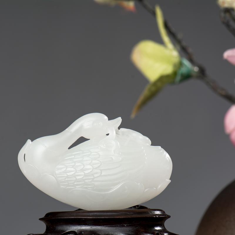 新疆和田玉羊脂白玉籽玉挂件 鹅衔如意 25.3克