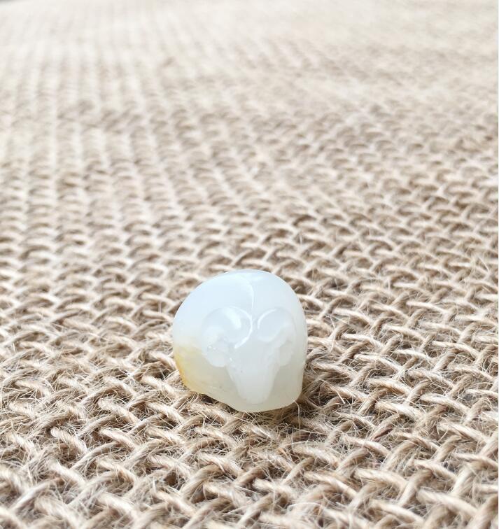 新疆和田玉黄皮一级白玉籽玉 挂件 样样如意 4.4克
