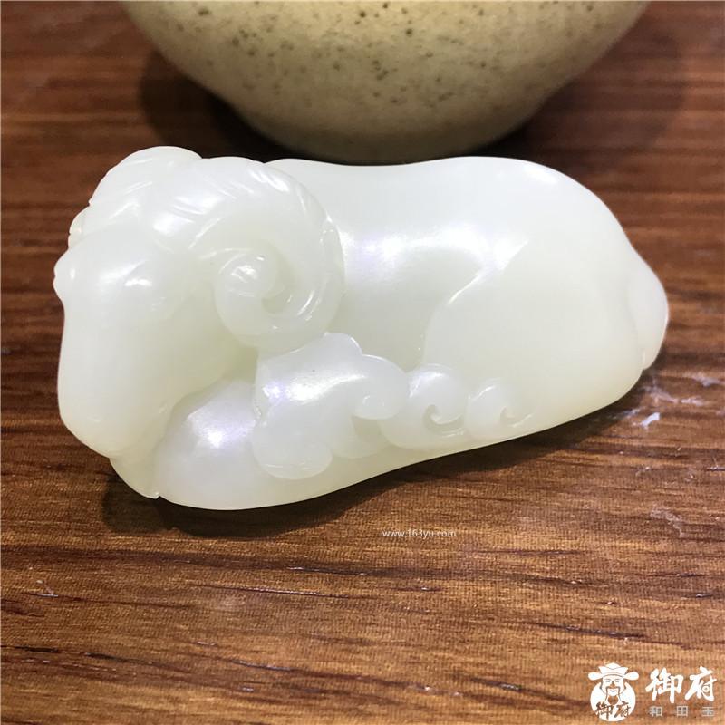 新疆和田玉原毛孔皮白玉籽玉作品  样样如意  32.2克