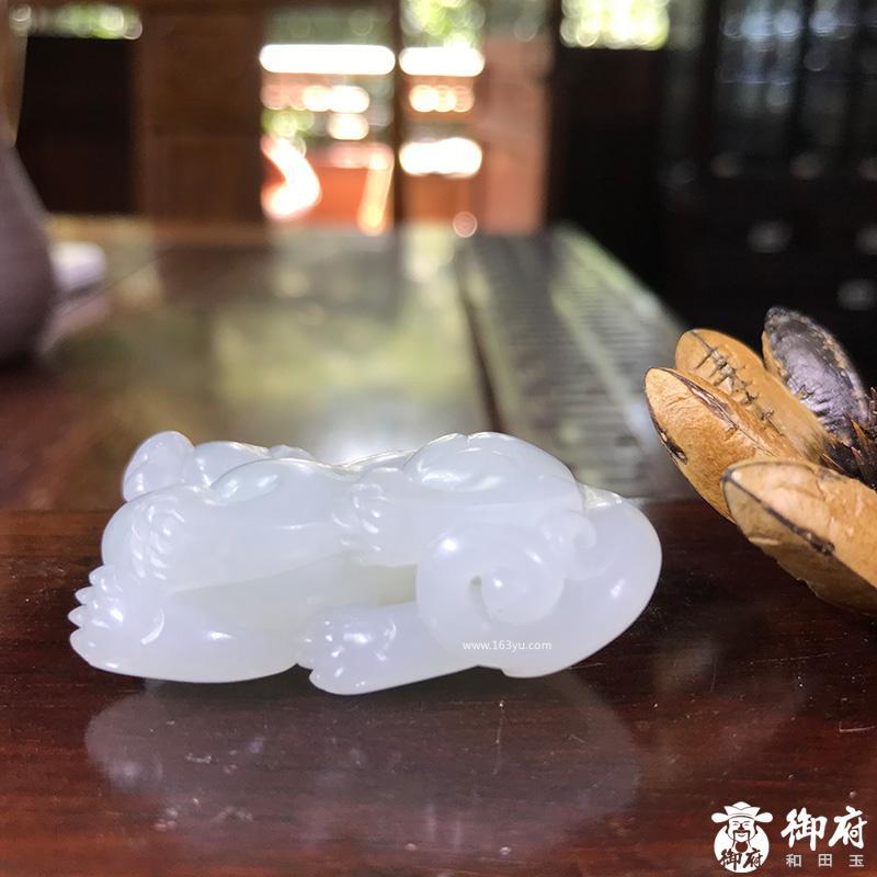 新疆和田玉一级白白玉籽玉 貔貅 挂件 30.9克