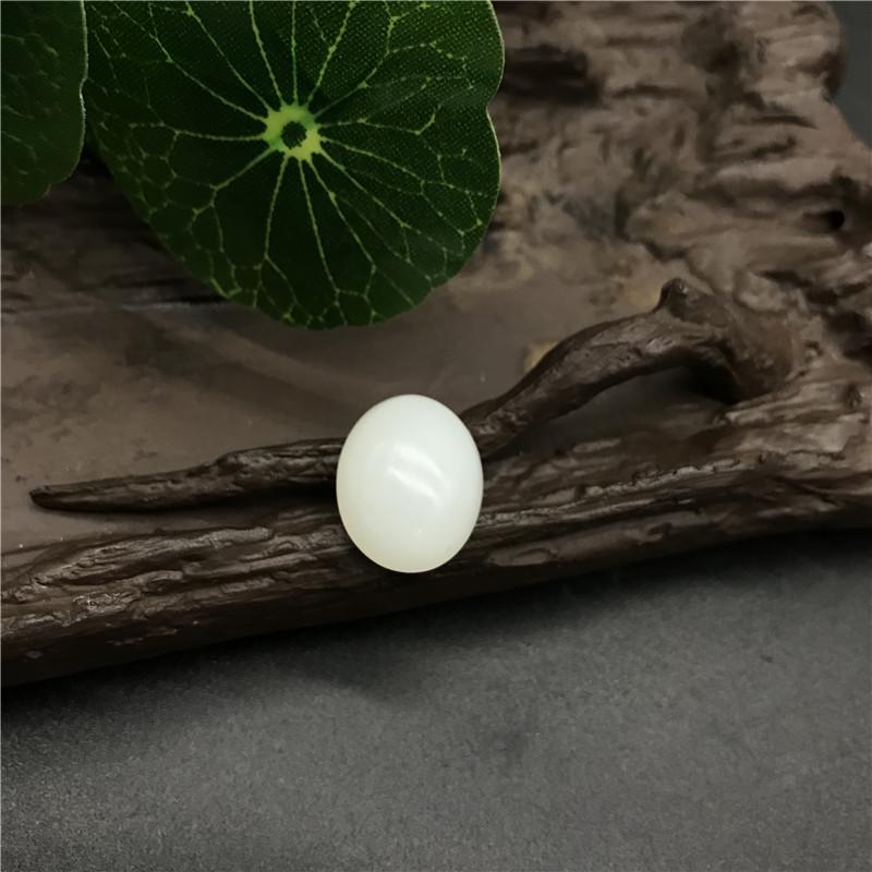 新疆和田玉白玉籽玉 椭圆蛋面 4.3g