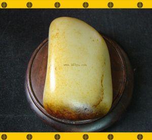 重366克 新疆和田枣黑皮白玉籽料