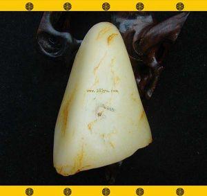 重241克新疆和田玉黄皮白玉籽料